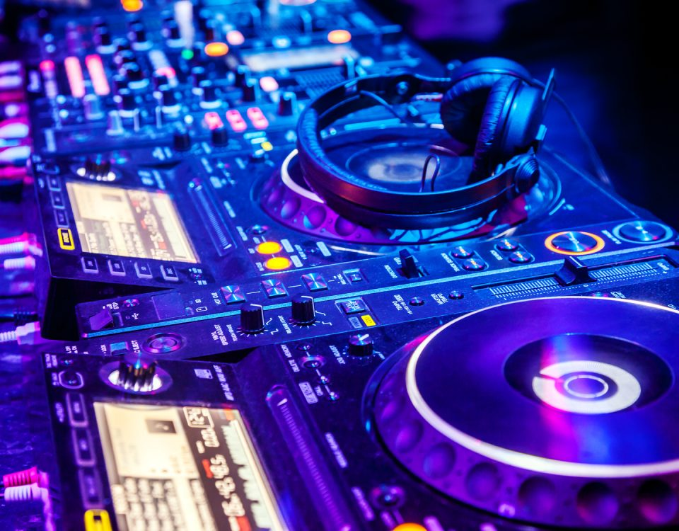 DJ - wesela - studniówki - urodziny